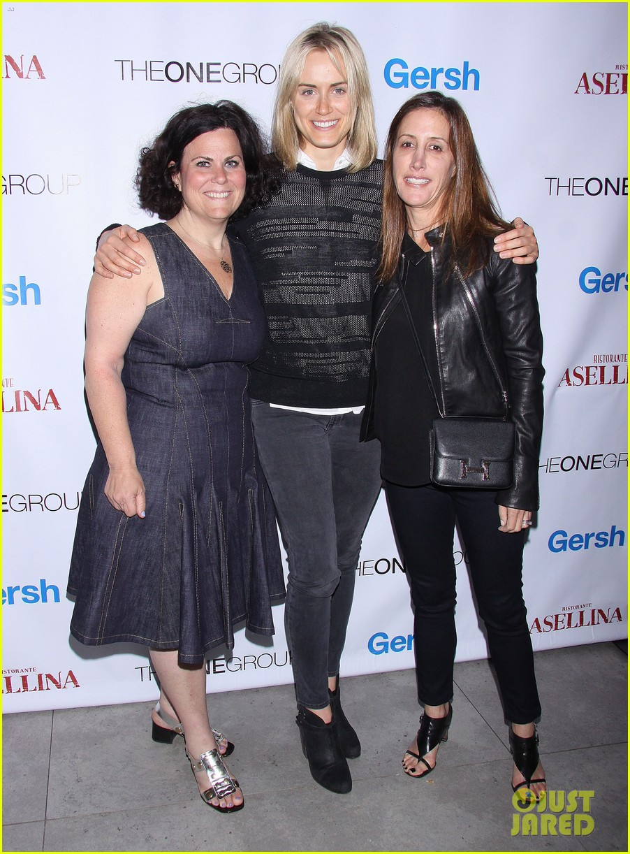 taylor schilling hits new york city for the gersh upfronts party 02