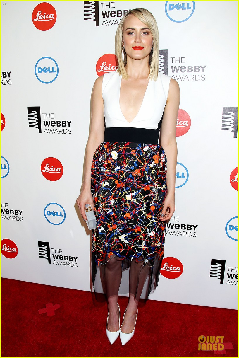taylor schilling actress of the year at webby awards 01