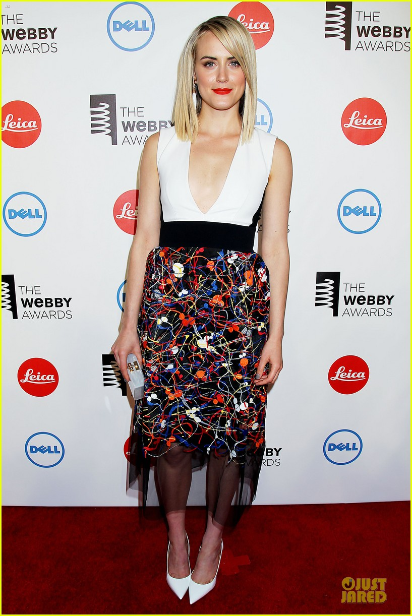 taylor schilling actress of the year at webby awards 08