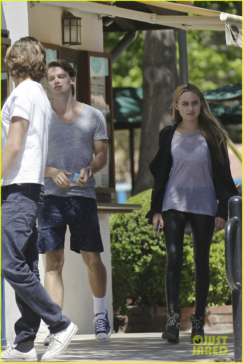 patrick schwarzenegger lunches in malibu with girlfriend tootsie burns 103113410