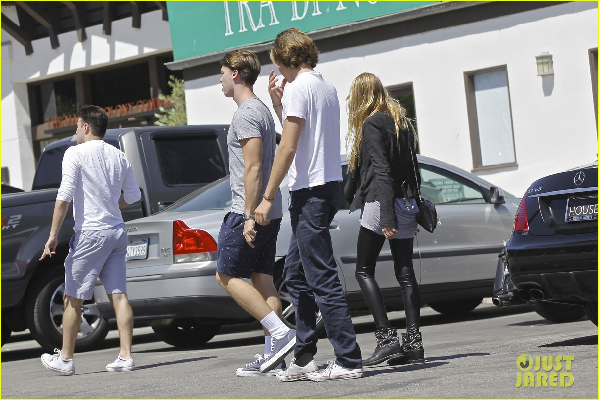 patrick schwarzenegger lunches in malibu with girlfriend tootsie burns 203113420