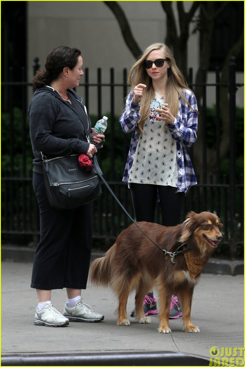 amanda seyfried treats herself to a spa day18
