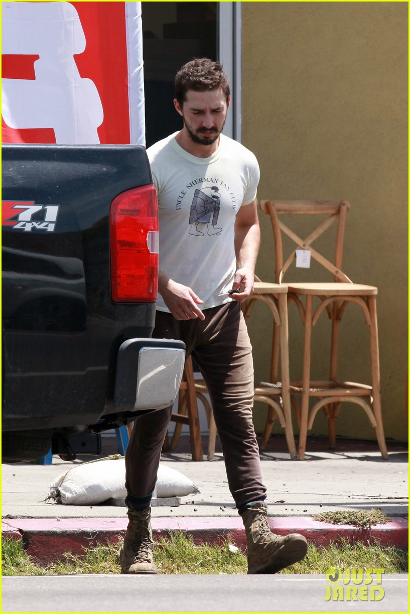 shia labeouf fake subway ads taken down by mta 143103878