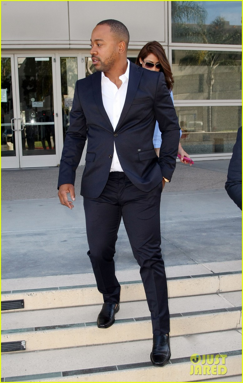 columbus short pleads not guilty to felony battery 01