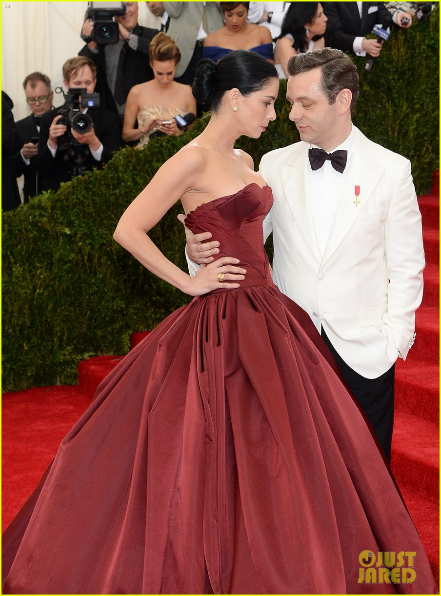 sarah silverman michael sheen met ball red carpet 083106367