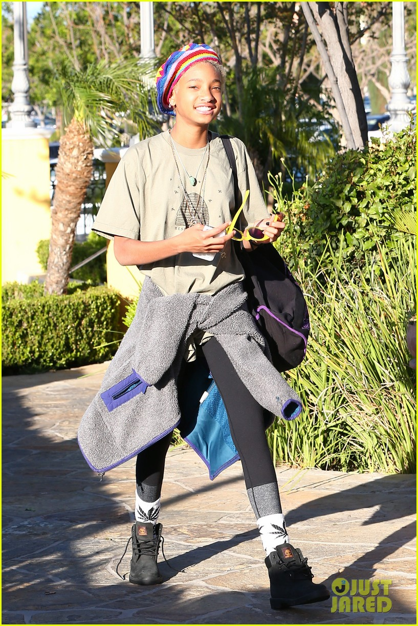 willow smith wears socks with marijuana leaf on the front 093102956