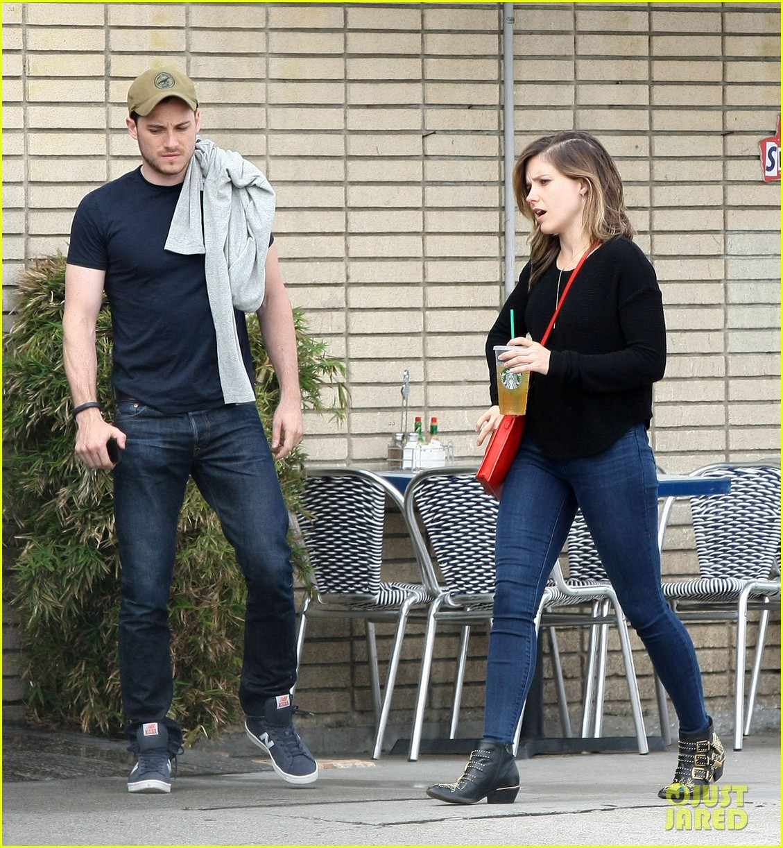 sophia bush guy pal chicago pd episode 053108189