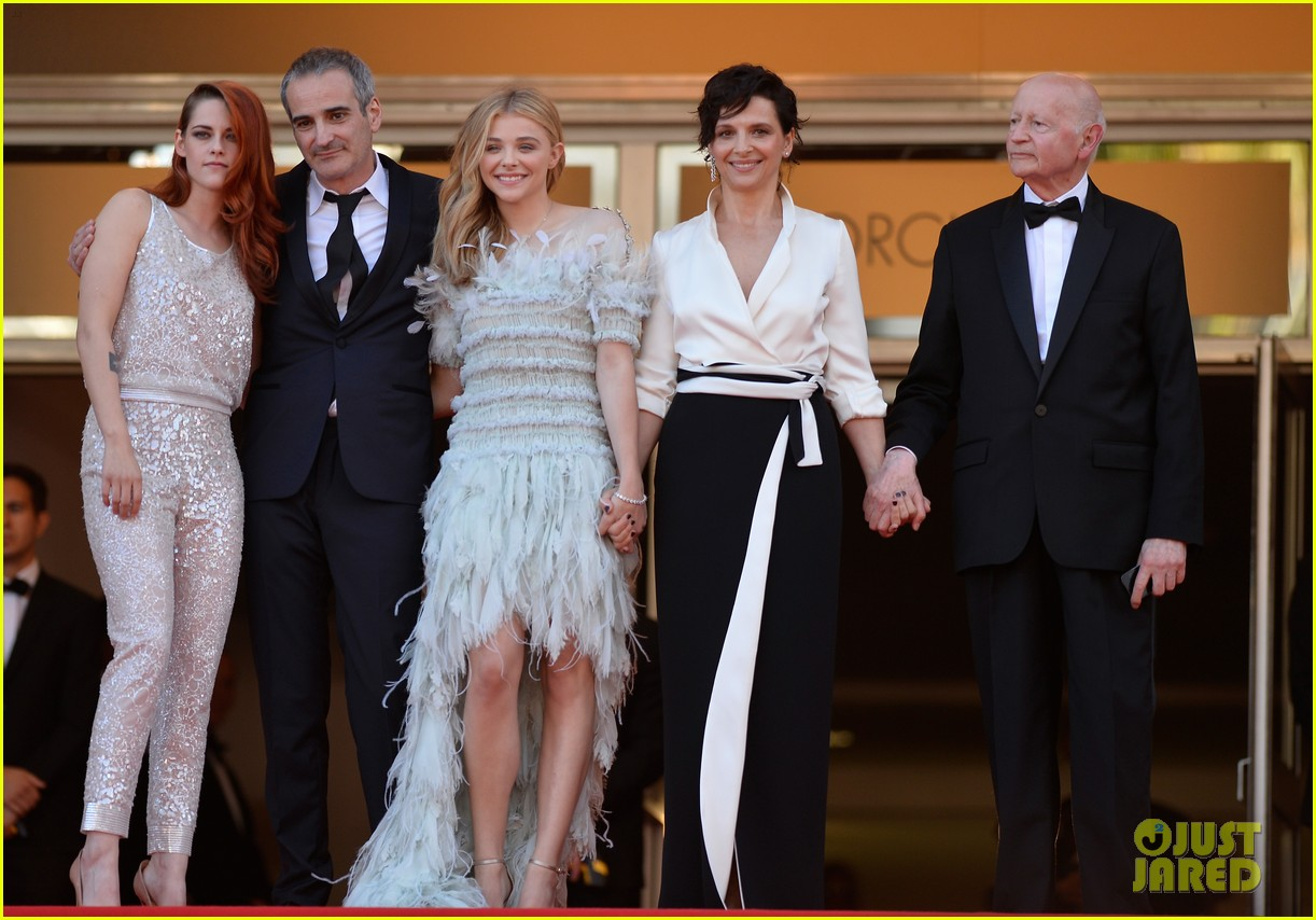 kristen stewart chloe moretz are chanel chic at cannes sils maria premiere 12