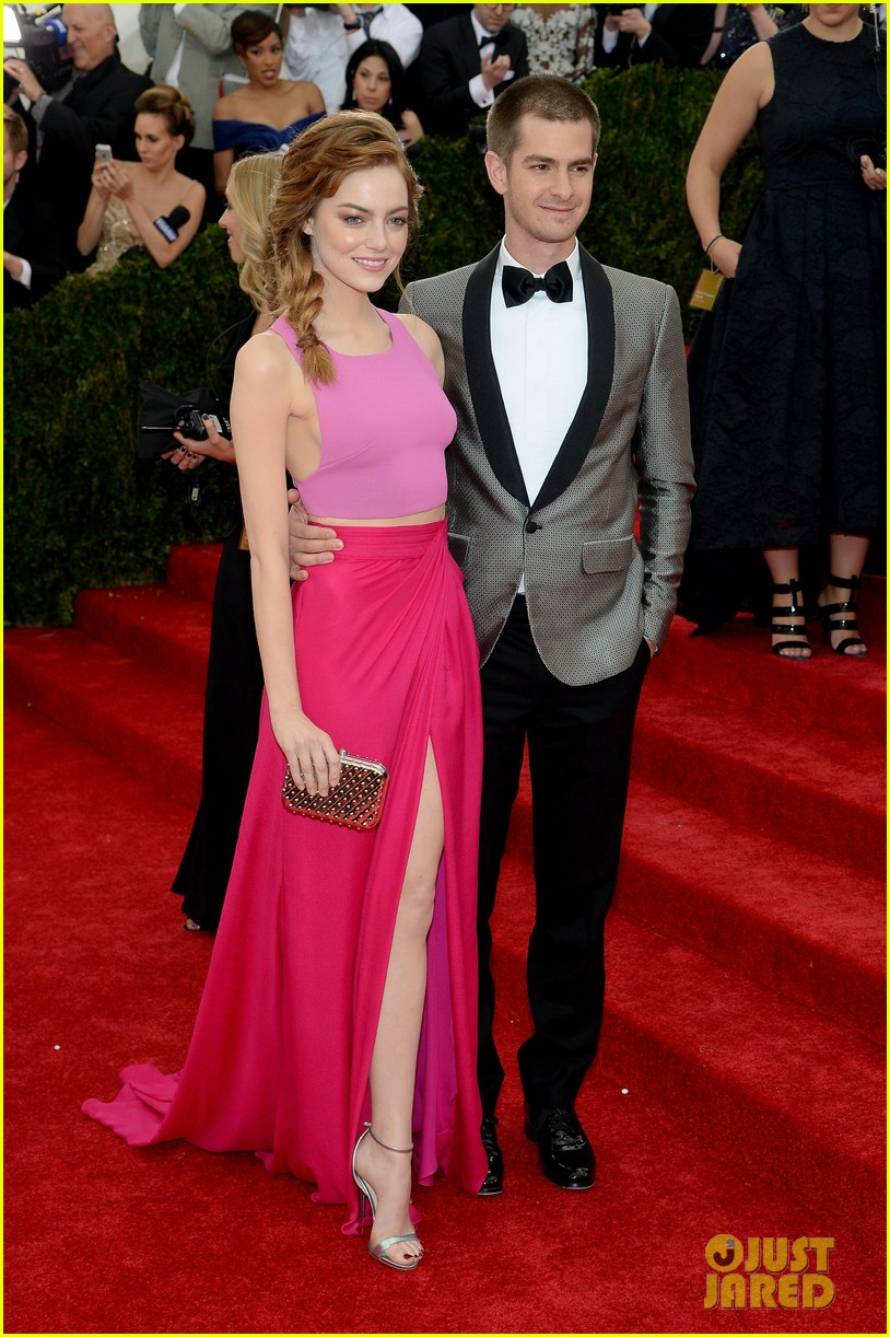 andrew garfield only has eyes for emma stone at met ball 2014 03