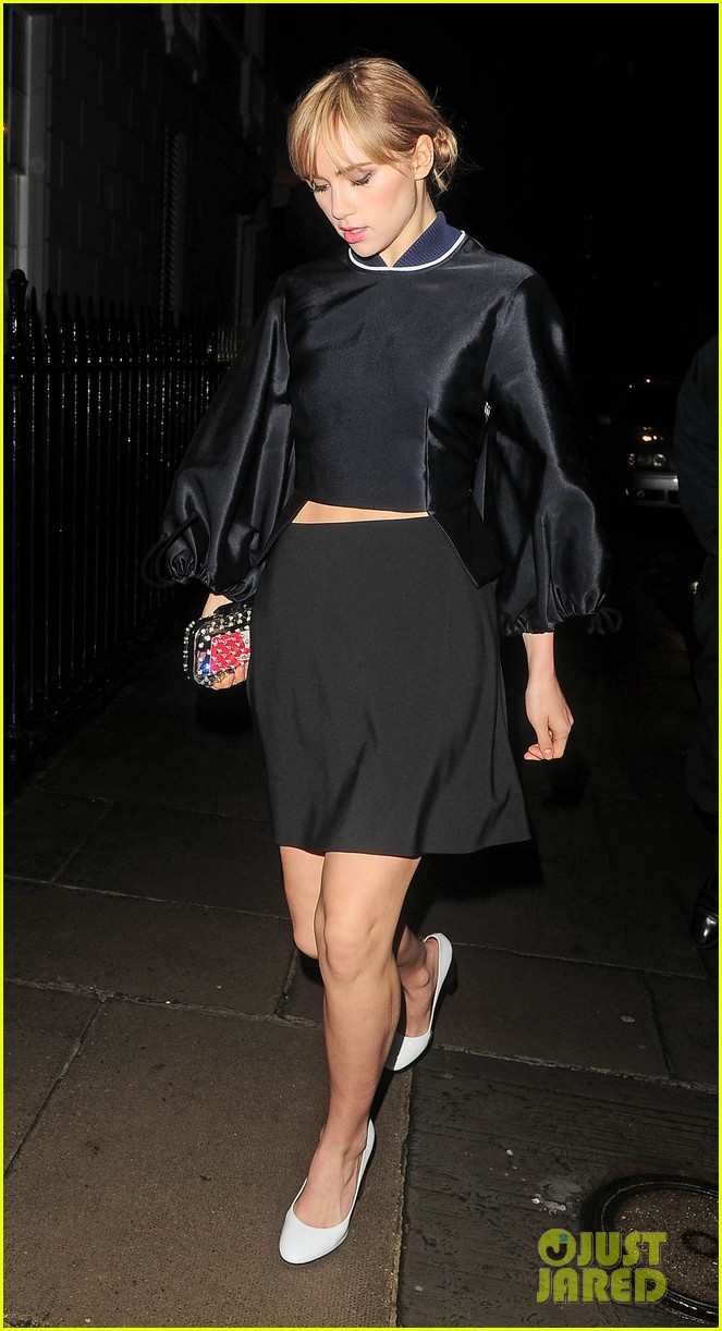 cara delevingne suki waterhouse look so glamorous for night out 213103853