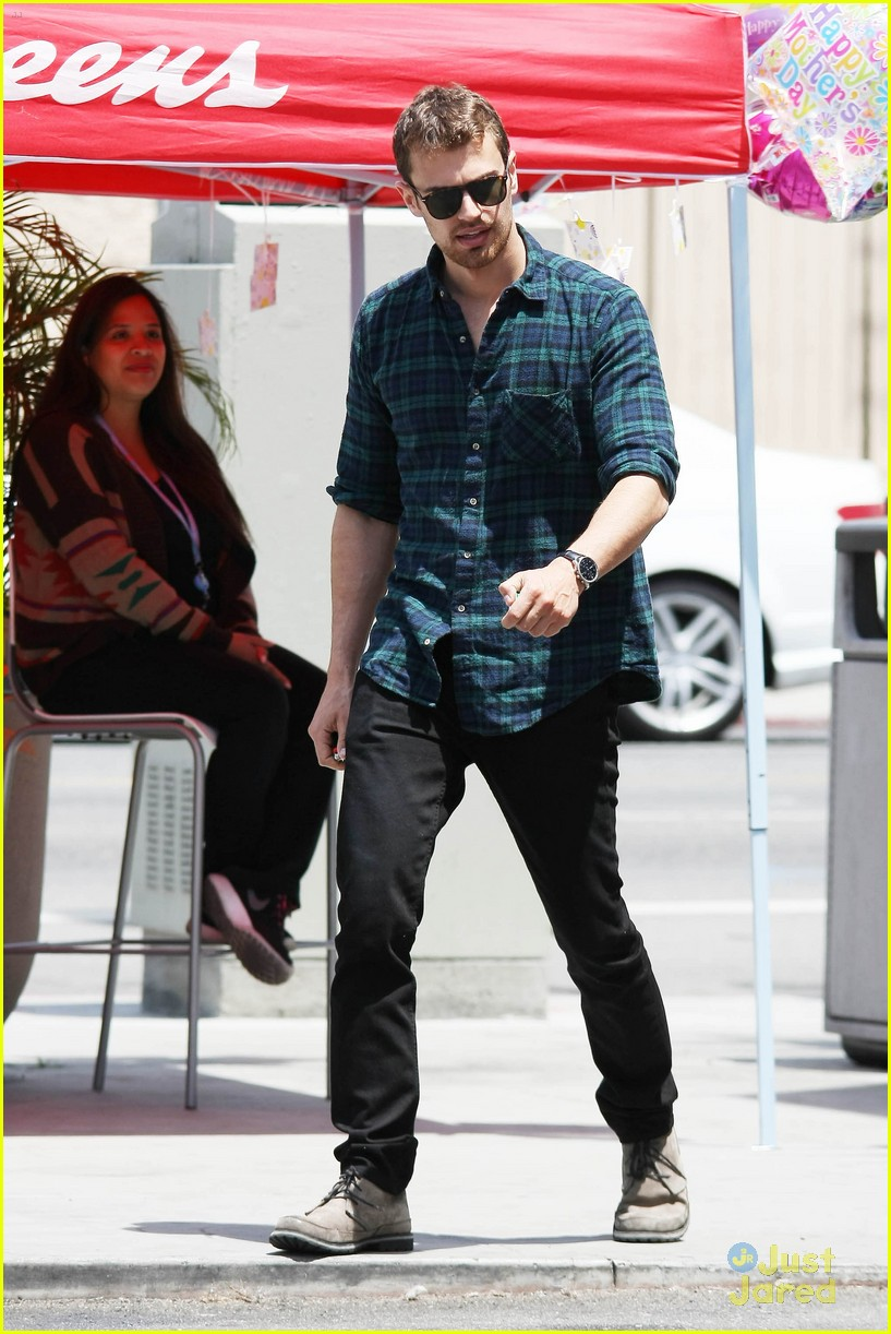 theo james runs errands los angeles 12