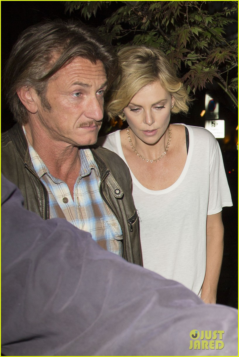 charlize theron sean penn step out for memorial day dinner 013122495