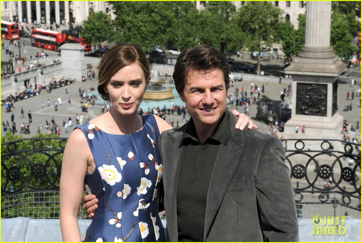 tom cruise emily blunt edge of tomorrow photo call 11