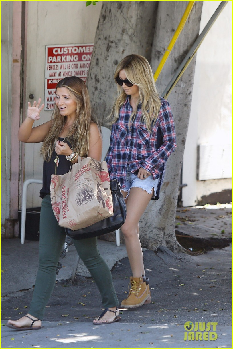 vanessa hudgens ashley tisdale 901 salon stop 11