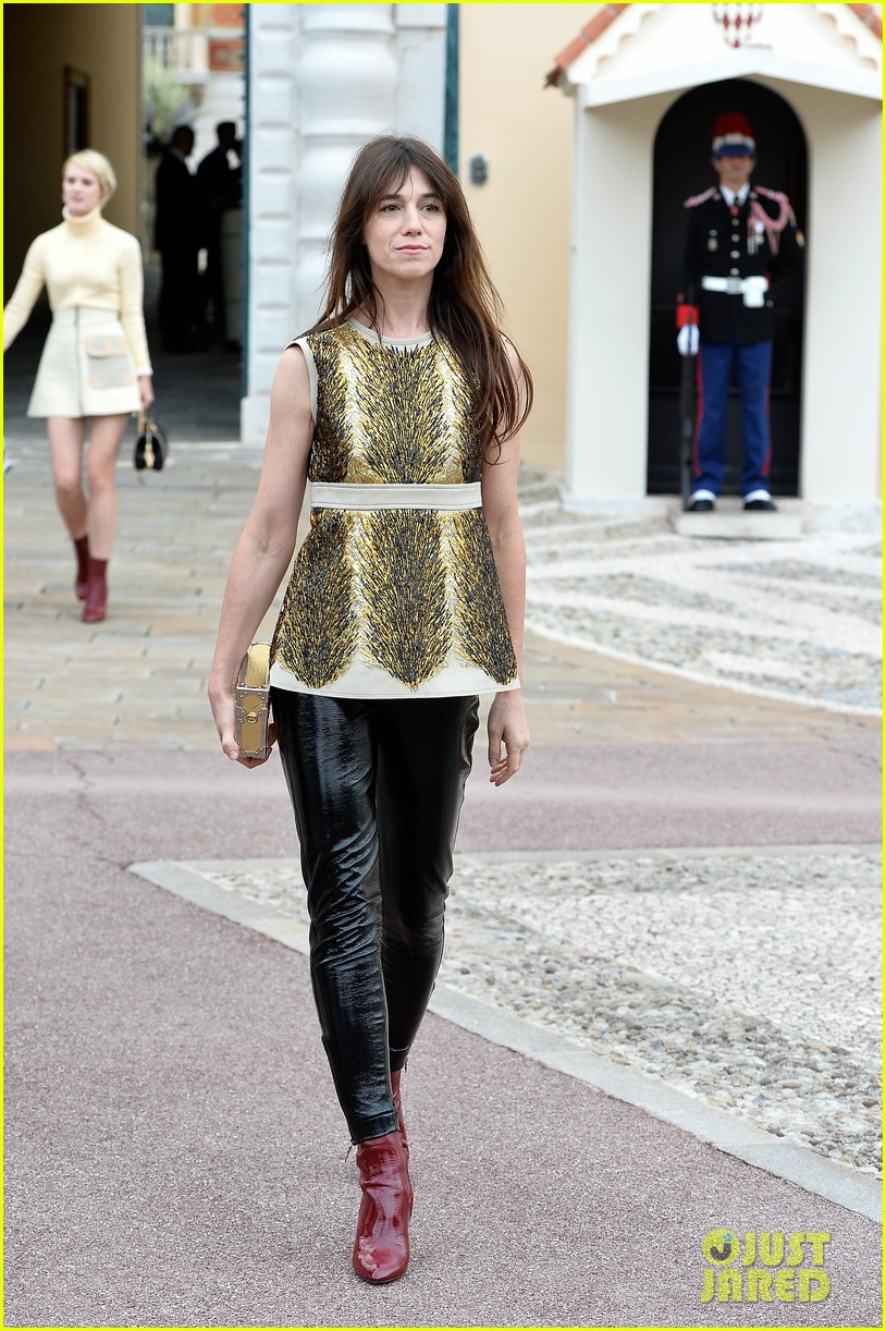 jennifer connlly brit marling louis vuitton fashion show 13