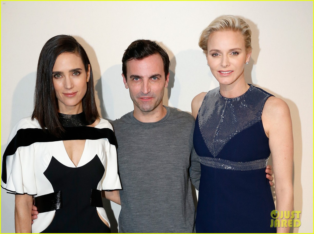 jennifer connlly brit marling louis vuitton fashion show 26