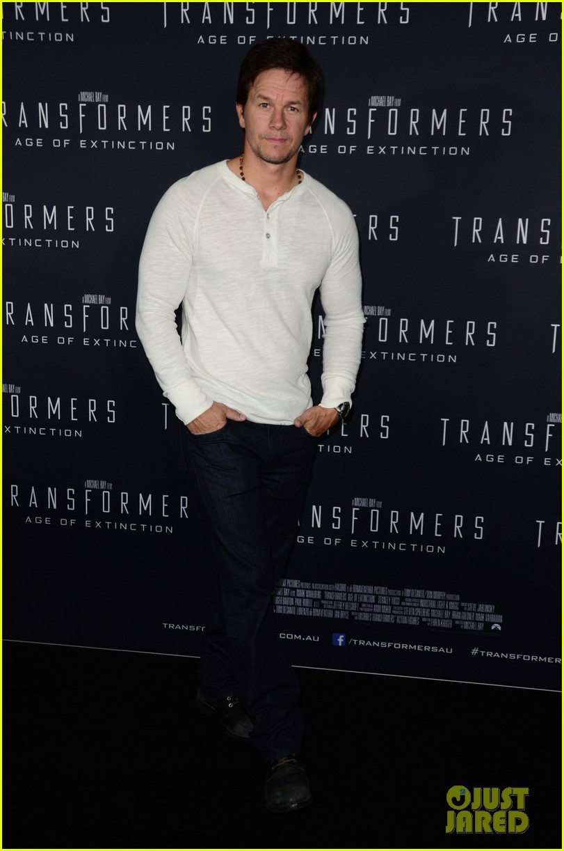mark wahlberg begins transformers 4 promo tour in sydney 093118772
