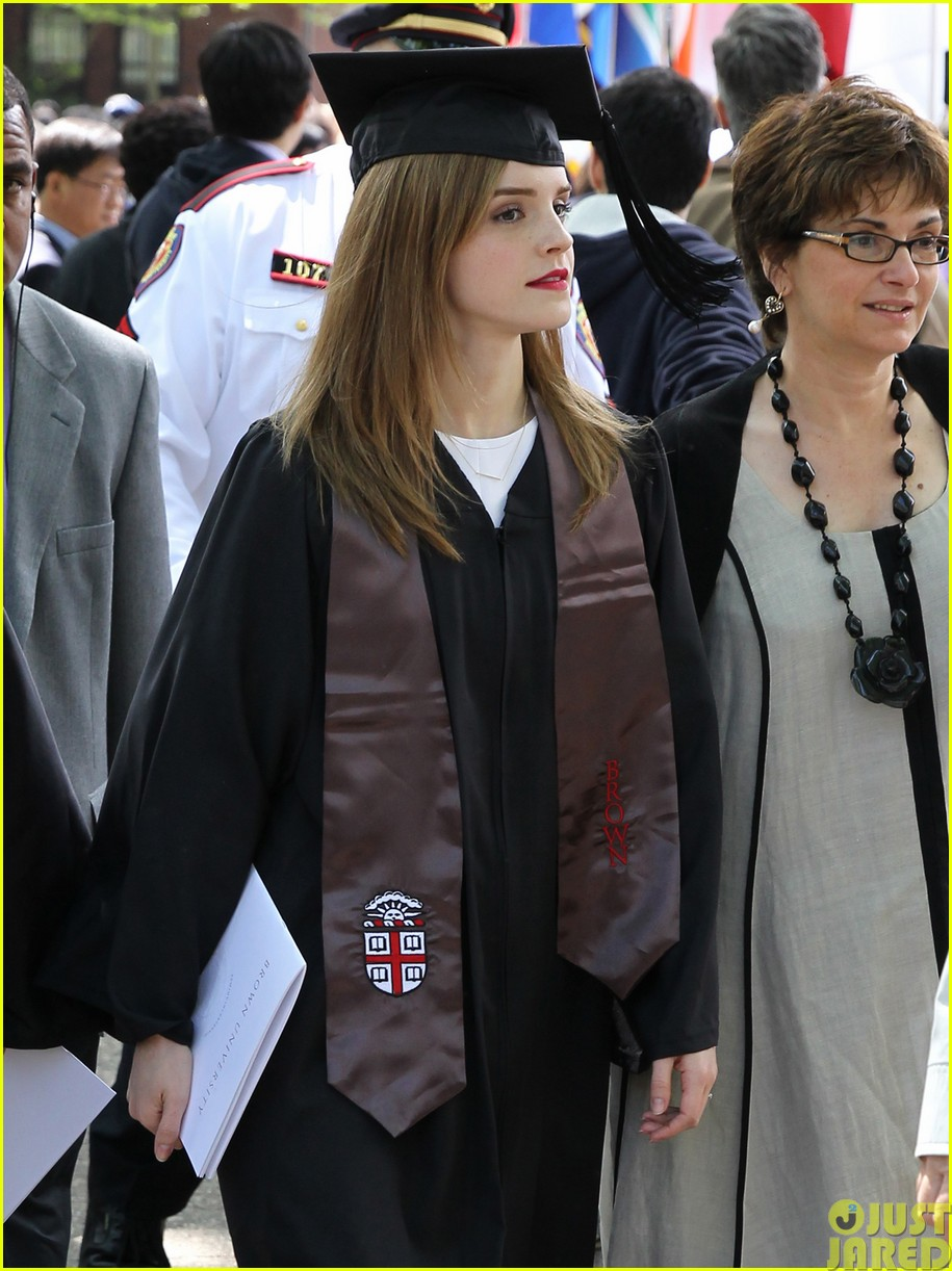 emma watson graduates brown university lit major06
