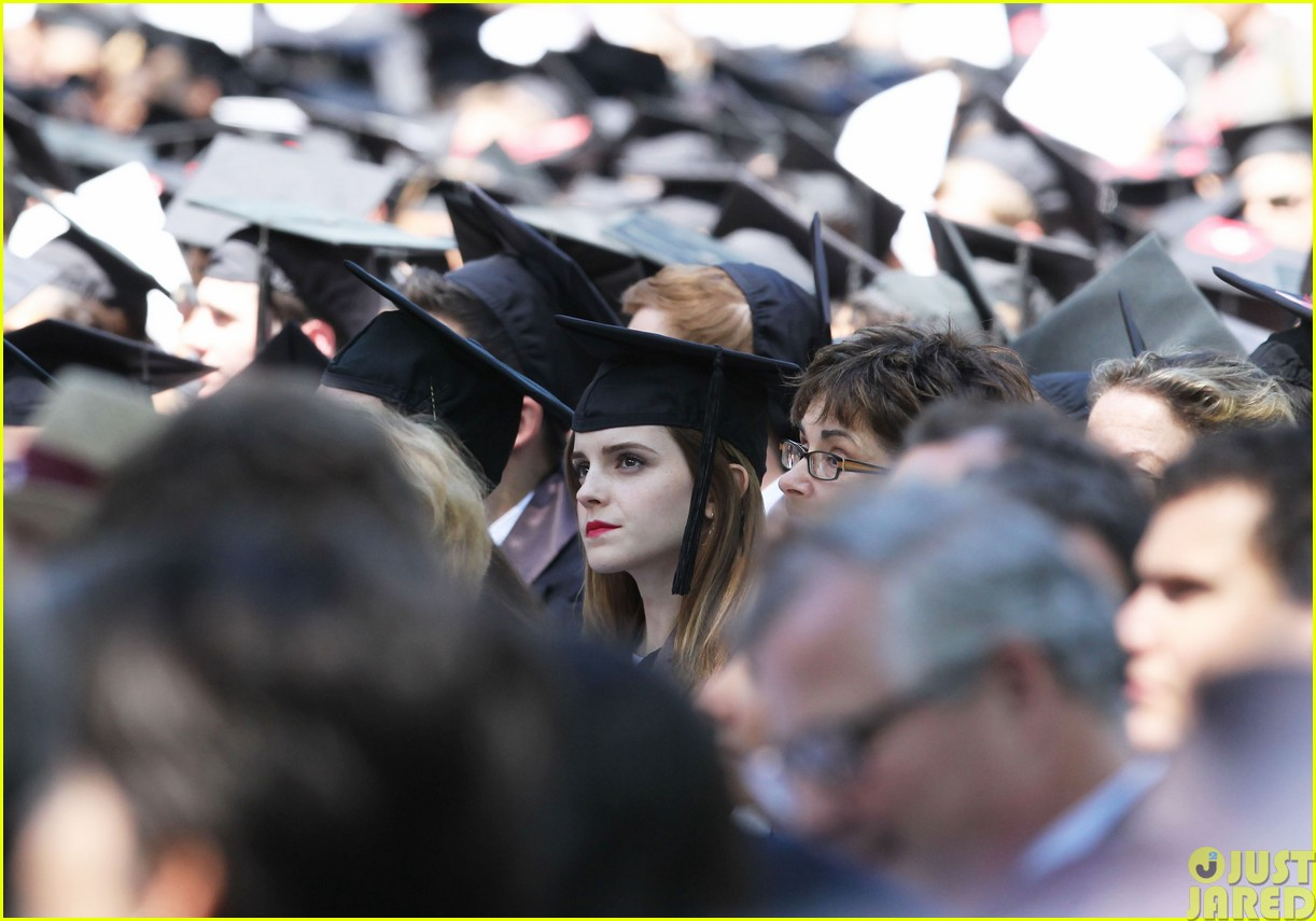 emma watson graduates brown university lit major093122088