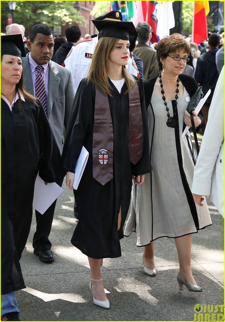 emma watson graduates brown university lit major13