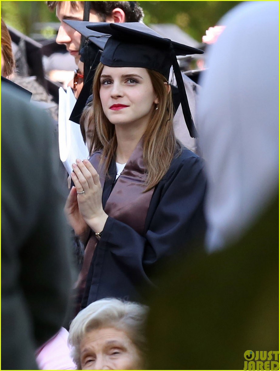emma watson graduates brown university lit major233122102