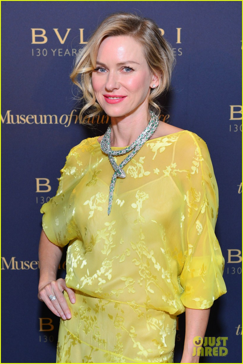 naomi watts wears gorgeous jeweled snake necklace to bulgari gala 03