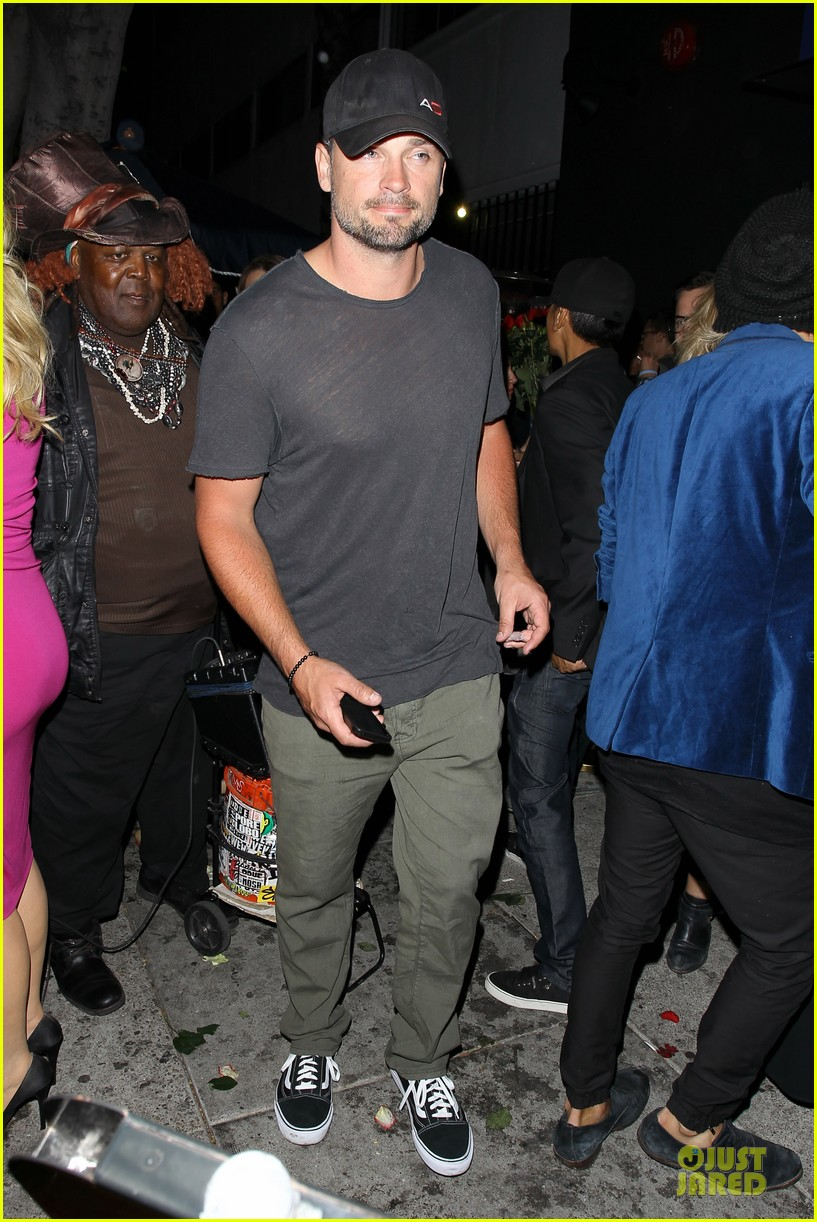 tom welling parties at warwick nightclub 013109962