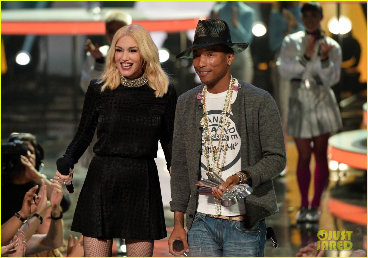 pharrell williams iheartradio music awards 2014 02