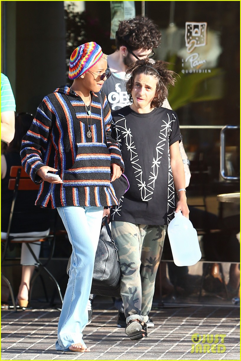 willow smith telana nicole moises arias203103946