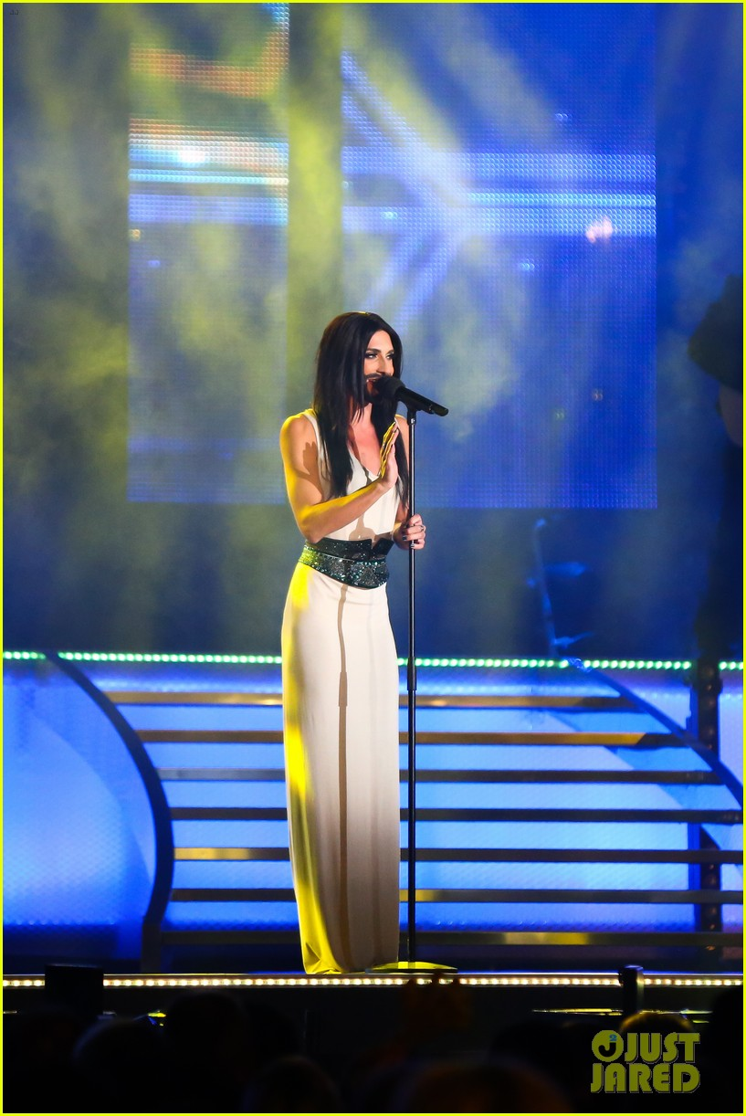 conchita wurst bearded drag queen wins eurovision 03