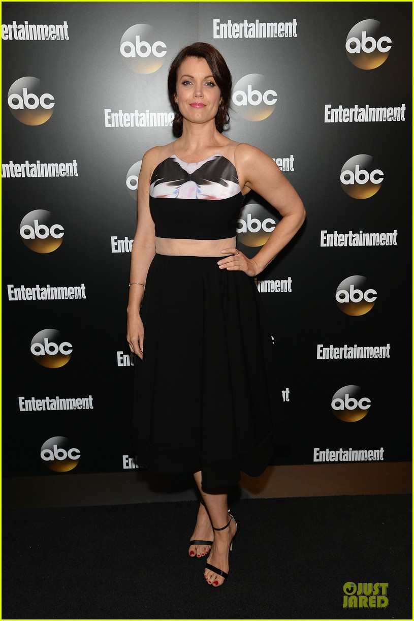 bellamy young tony goldwyn scandal abc upfront party 01