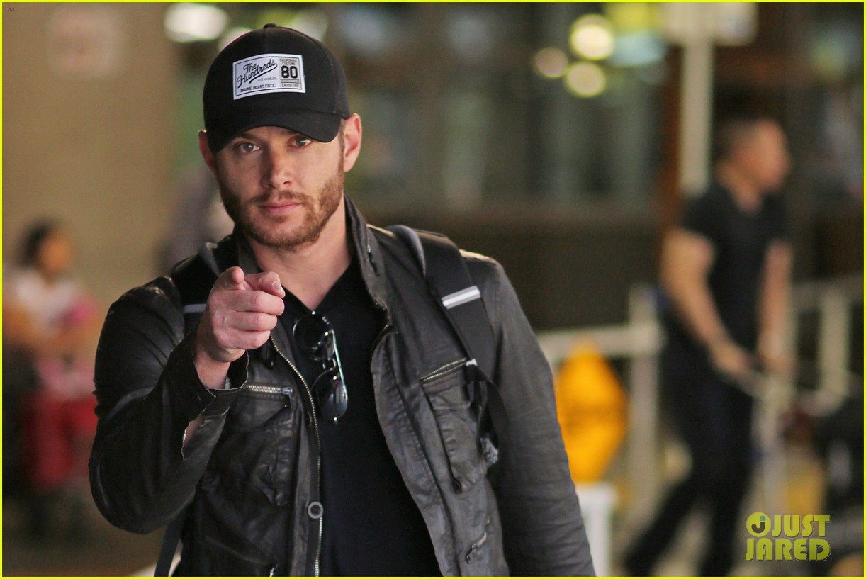 jensen ackles wants you points out photogs 08