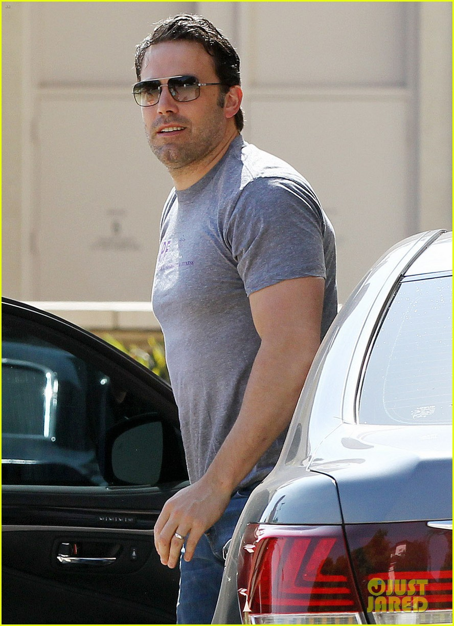 ben affleck bulked up for batman 11