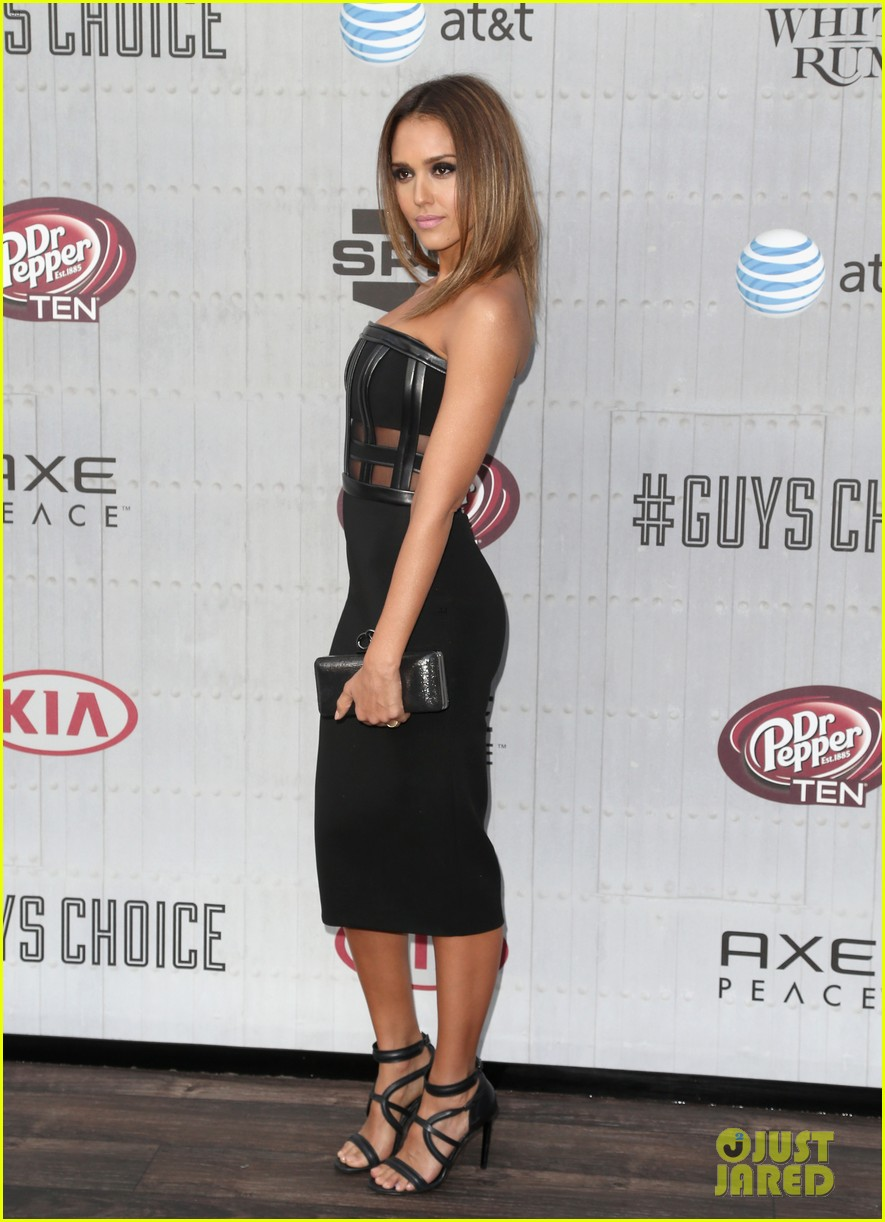 jessica alba jaime king guys choice awards 2014 073130717