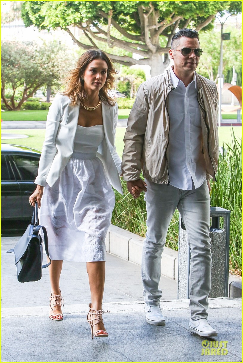 jessica alba reveals secrets to happy marriage 07