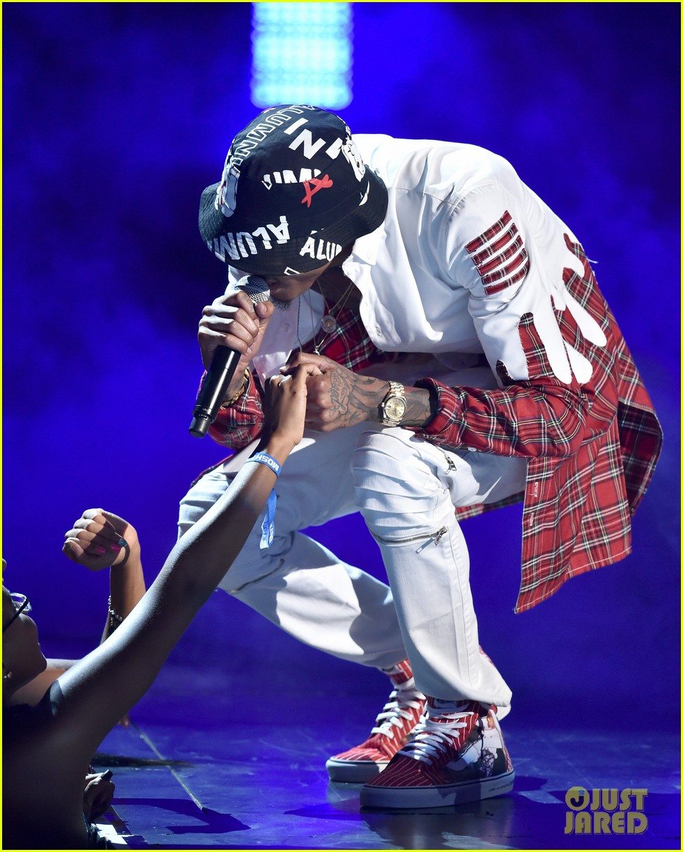 august alsina bet awards 2014 033146476
