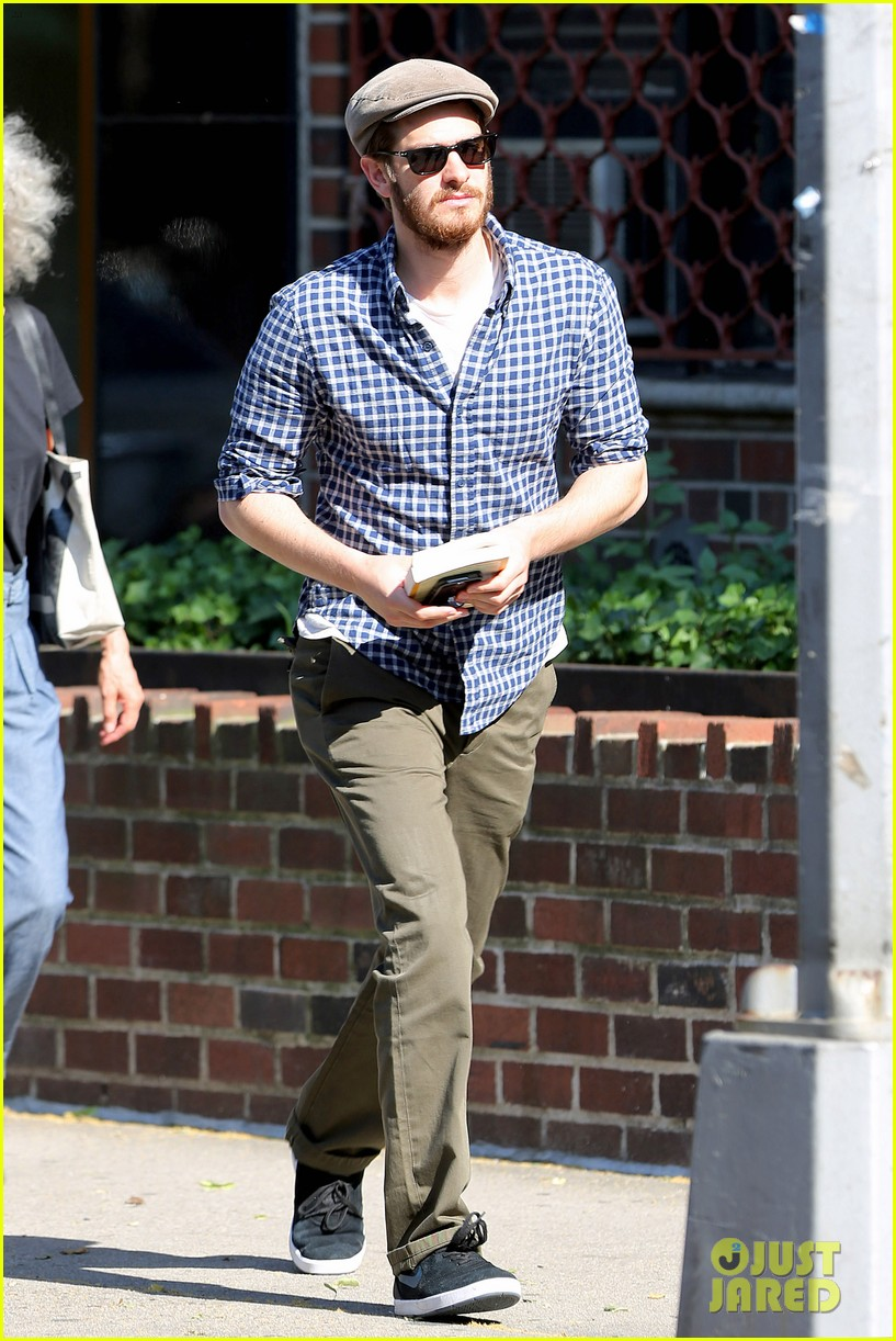 andrew garfield leaves favorite cafe spiritual read 043142716