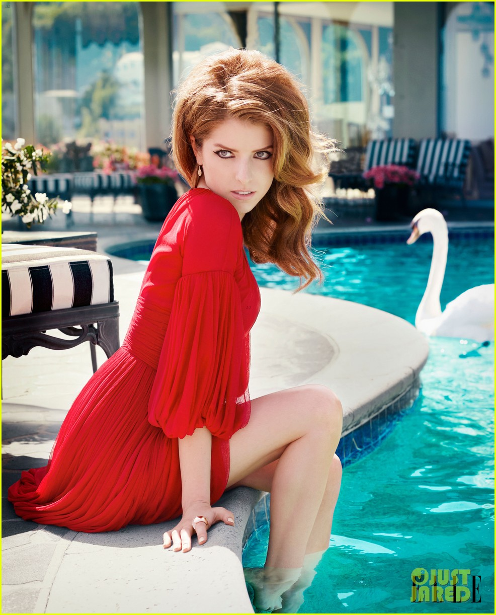 anna kendrick elle magazine july 2014 02