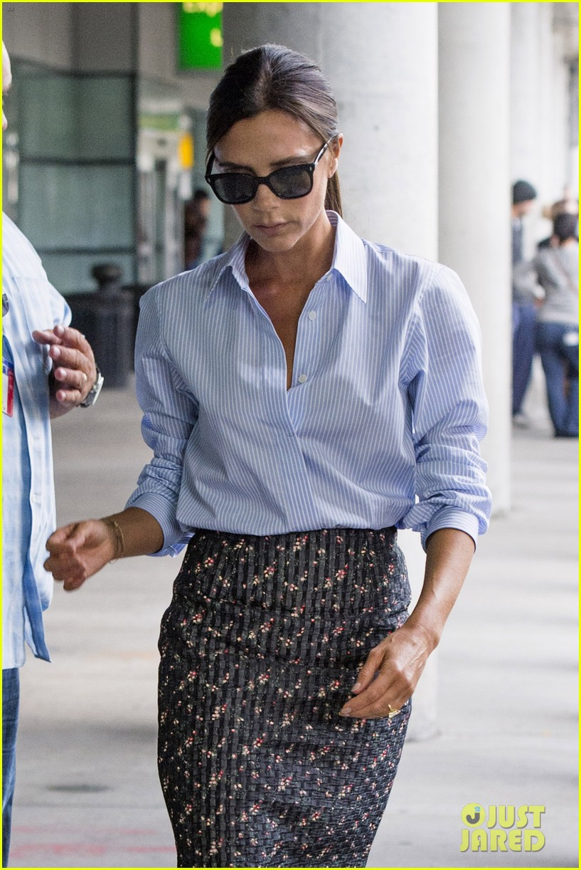 victoria beckham goes business chic for a flight 02