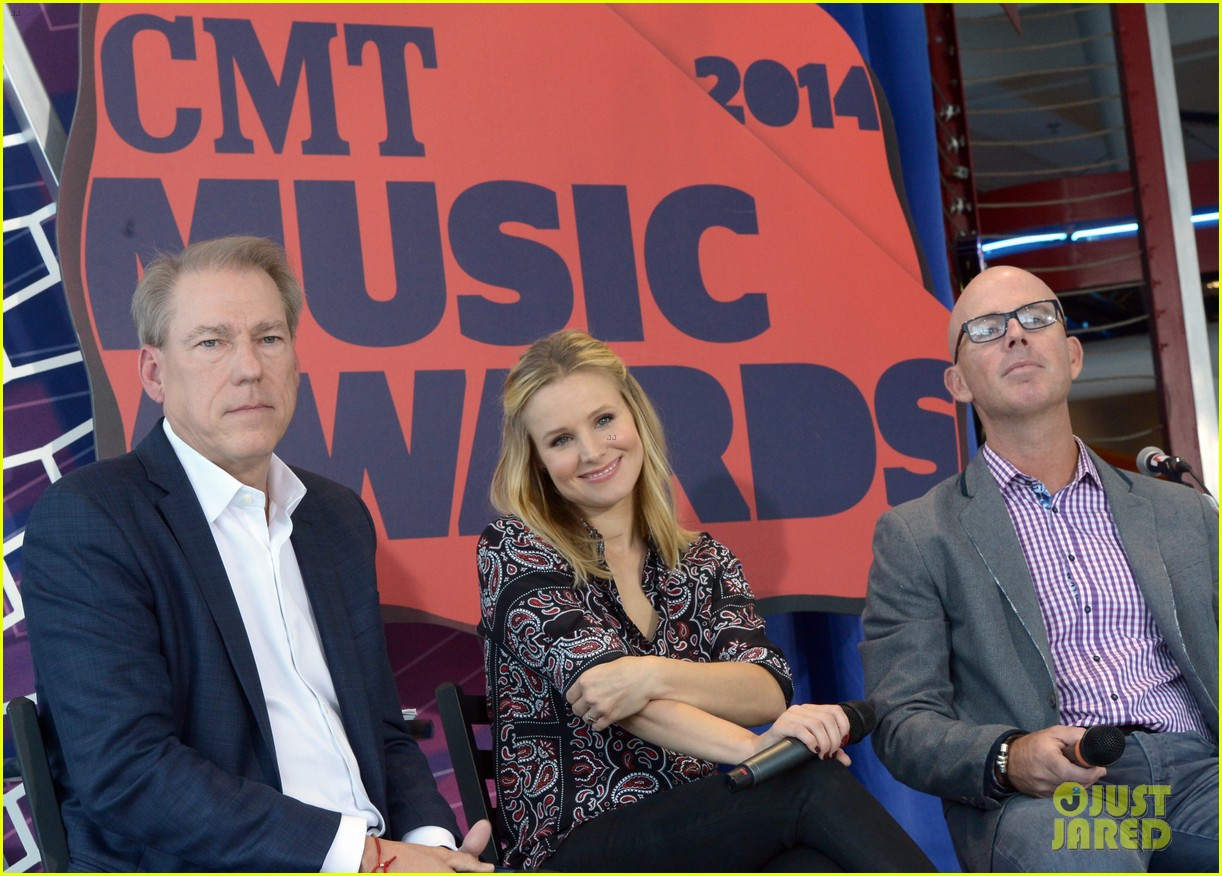 kristen bell steps out for cmt awards press conference 01