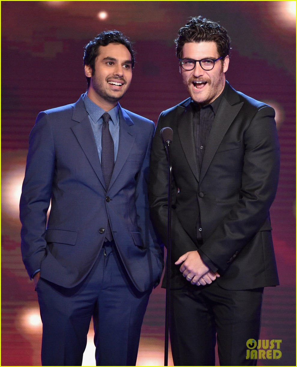 big bang theory critics choice tv awards 19