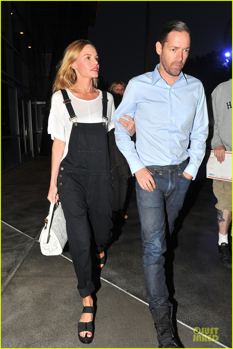 kate bosworth michael polish celebrate kings win at boa steakhouse 03