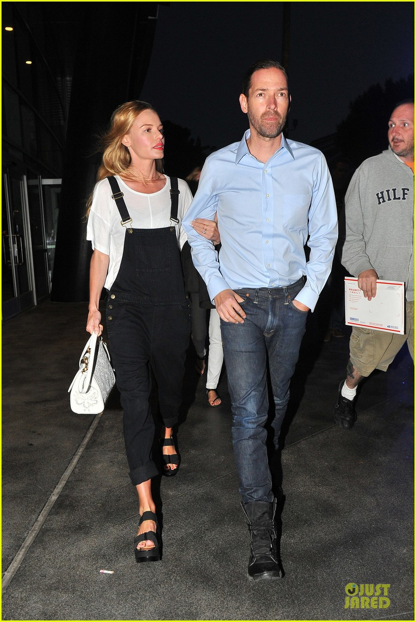 kate bosworth michael polish celebrate kings win at boa steakhouse 06