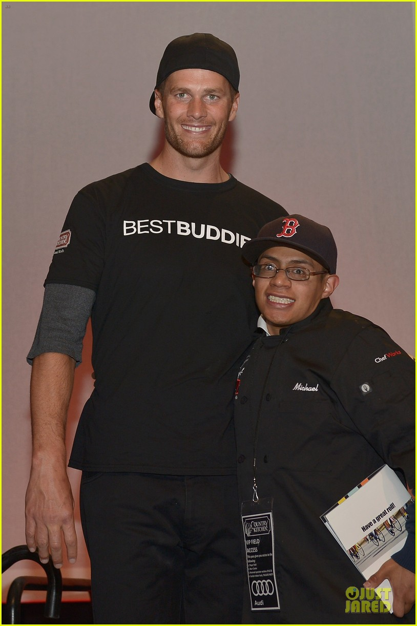 tom brady so proud to support best buddies 023125447