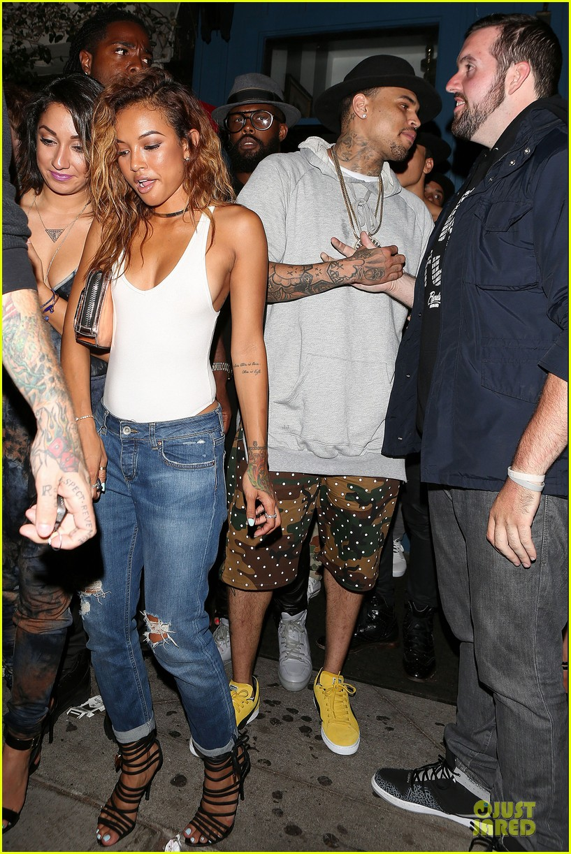 chris brown karrueche tran dance at hooray henrys 07