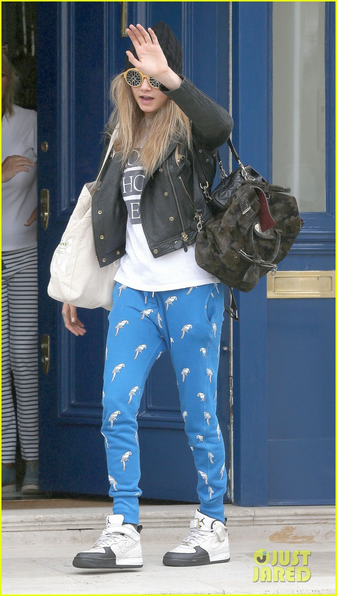 cara delevingne guardian article fans paps 09