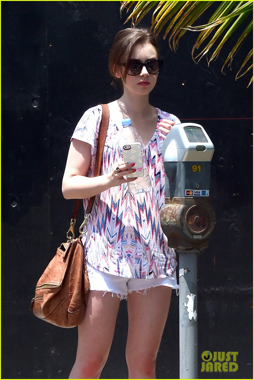 lily collins wellness day la 05