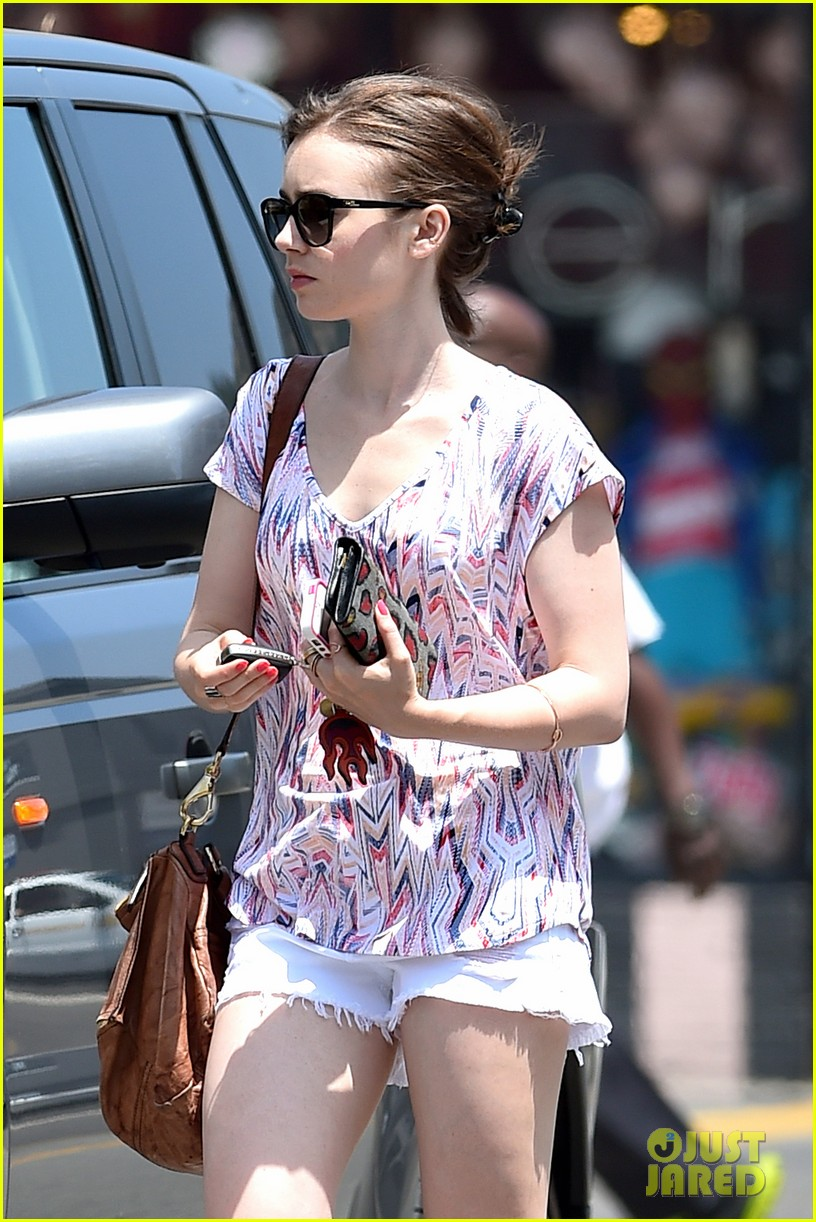 lily collins wellness day la 063145585