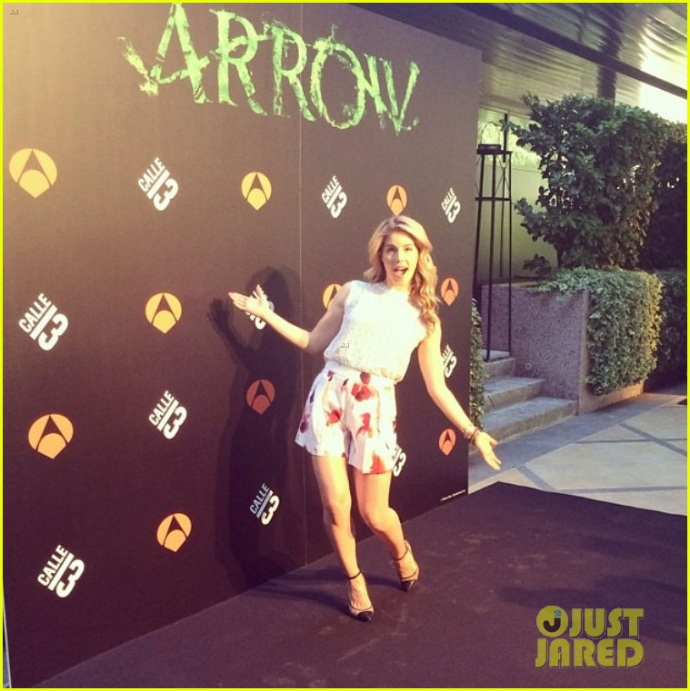 colton haynes emily bett rickards arrow madrid 26