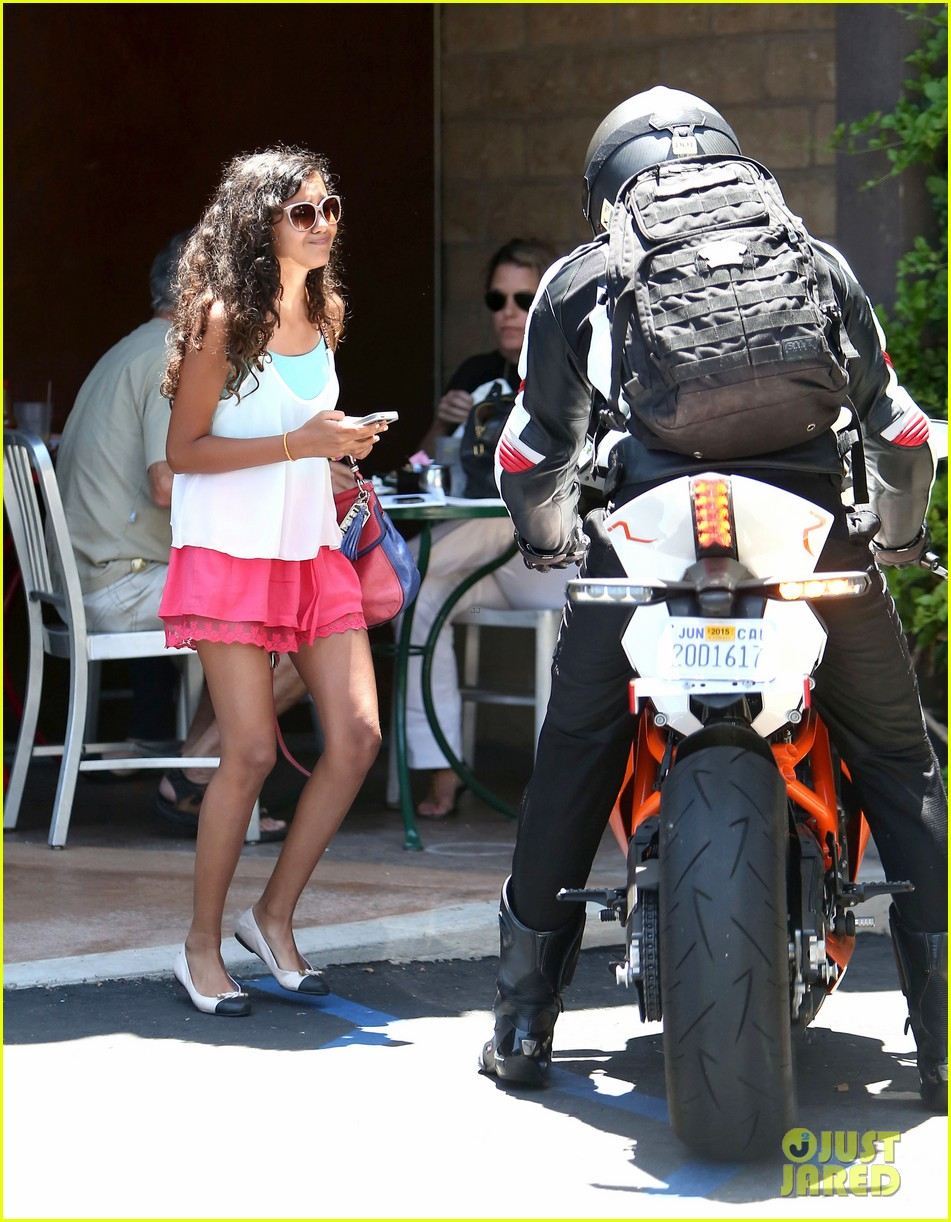 bradley cooper goes incognito in his motorcycle gear 053141735